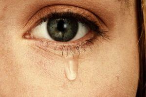 Conflictos emocionales que afectan a las GLÁNDULAS LAGRIMALES