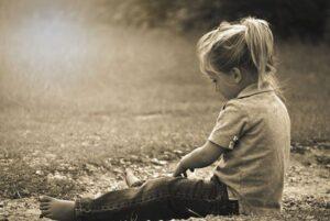 Lee más sobre el artículo Vivencias en el comienzo de la vida que hacen que nos sintamos rechazados